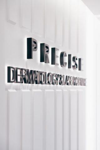 皮膚科醫生